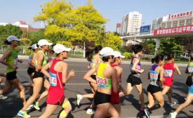 市体校输送队员参加全运会马拉松女团摘银