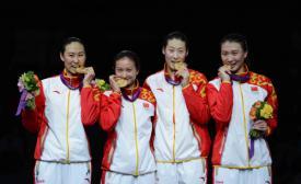 我校击剑选手许安琪获2012年伦敦奥运会女子重剑团体冠军