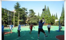 南京化工技师学院教职工排球对抗赛激情开赛